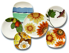 Goyana decorative patterns, mostly 1960s (galessa's plastics) Tags: brazil history industry brasil vintage table design pattern designer collection brazilian 1960s 1970s product 1980s materials histria industrialdesign esdi plastics tableware consumerculture polymer plsticos melamine tableset materialculture designdeproduto desenhoindustrial designhistory melamineware goyana plasticsindustry classicplastics