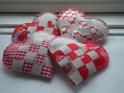 Woven christmas hearts WIP