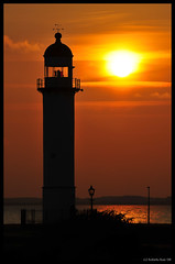 Here it goes 2008... away!!! (B'Rob) Tags: city travel sunset orange sun lighthouse streetart holland color art tourism sol netherlands faro atardecer photography mar photo yahoo google nikon flickr paradise torre picture tourist colores best explore cielo holanda crepusculo hellevoetsluis paraiso paraíso mejor d300 18200mm brob explored brobphoto