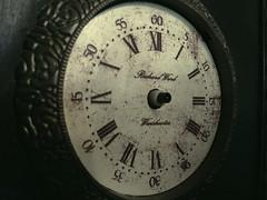 Orologio (Elanorya) Tags: orologio cosa numeri vecchio particolare oggetto