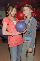 Miley Cyrus with Emily Osment (♪ I lονε γου Nicκ Jοηας ♪) Tags: rock emily n bowl cyrus miley osment