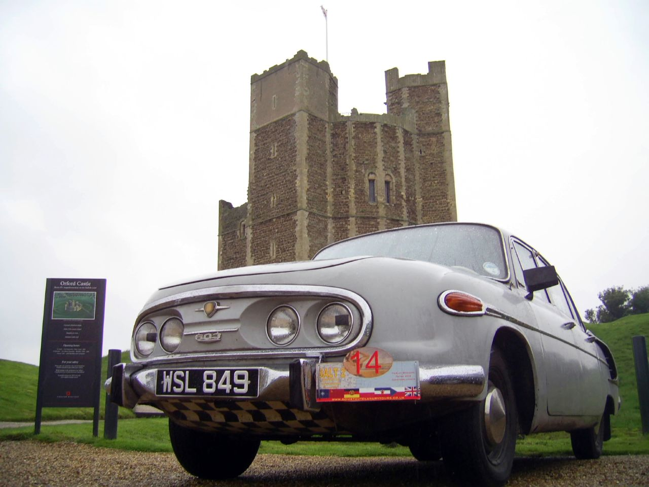 Tatra 603 and Orford Castle