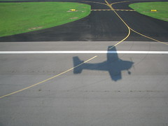 We have liftoff (Roger Smith) Tags: shadow plane mississippi fly airport aircraft aviation flight liftoff cap takeoff cessna civilairpatrol gtr 182 c182 goldentriangleregionalairport gtra goldentrianglecompositesquadron