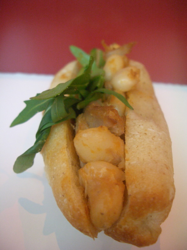 Cassoulet roll