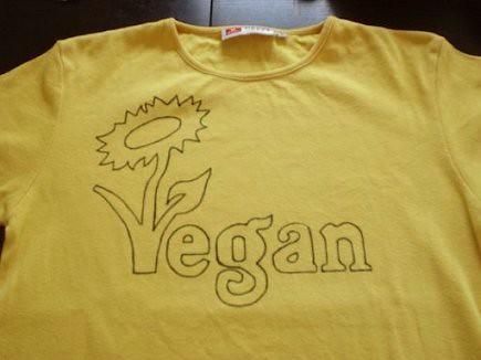 Yellow Vegan T-shirt makin' 2