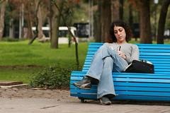 """""""diferentes continentes, mismos mundos"""" (Robert's © o f f e e ß r e a k ™ ๛ +) Tags: soledad esperando espera periodista escribiendo solitaria pensativa escritora"""