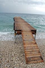 Vue sur la mer (Ak47prod) Tags: mer beach water ponton