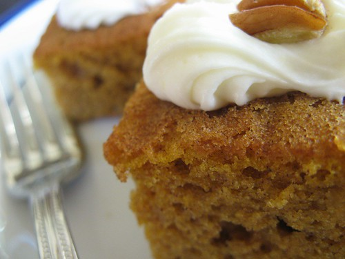 pumpkin cake & cream cheese frosting