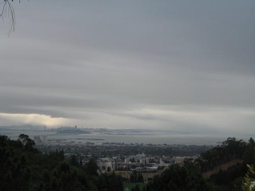 San Francisco, de fondo, en un dia lluvioso (II)