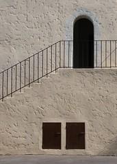 Semplice (alice bottoni) Tags: house port casa near ombre finestra porta scala 2008 francia grimaud frejus scalinata facciata ringhiera