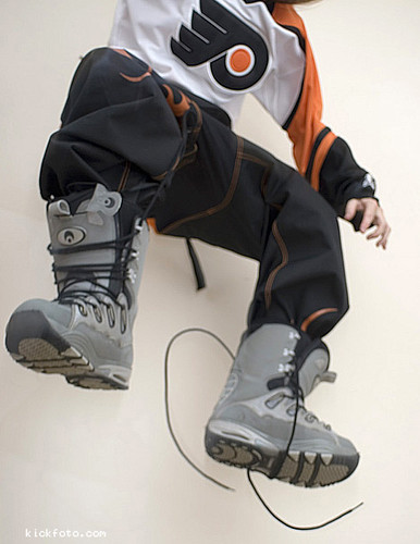 above man guy jump jumping legs air laces active intheair snowboardboots unlaced snowboardboot