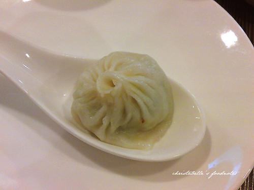 上海滬園湯包館絲瓜湯包仔細看