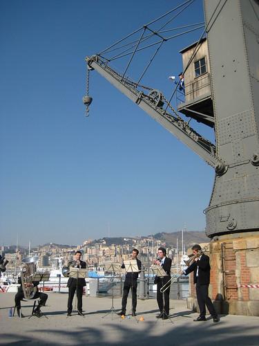 Omaggio futurista al Porto Antico