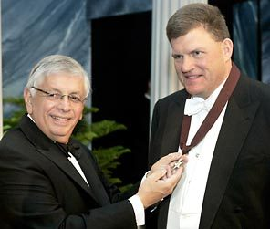 Image of Clay Bennett and NBA Commissioner David Stern from The Seattle Times