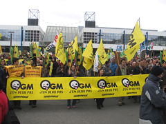 Anti-OGM Rennes 29 0308 (waswoutch) Tags: bretagne stop anti 2008 rennes manifestation ogm 29mars mosanto