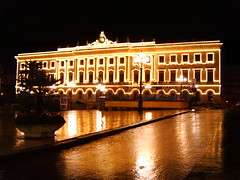 Palazzo della Provincia (T.U.F.K.A.MP.) Tags: sardegna geotagged italia luci piazza provincia natale geotag pioggia sassari notturno illuminazione piazzeitaliane