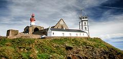 Abbaye de Saint Mathieu (Erminig Gwenn) Tags: sea mer lighthouse abbey s