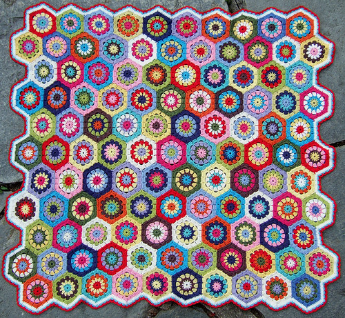 summer hexagon blanket por solgrim.
