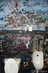 The Hole in the Wall (Steve Hopson) Tags: music usa austin john geotagged graffiti us concert mural texas hole habit toilet wc sxsw rockmusic restroom urinal urinals duchamp johns pissoir habits marcelduchamp holeinthewall southbysouthwest mensroom sxswmusic austinist swollencircus theholeinthewall sxsw2008 holeinthewallclub sxsw08 swollencircus12 swollencircus theholeinthewallclub