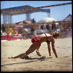back on your feet (jaxting) Tags: street people film beach sports colours candid womens jena mc fujifilm volleyball f28 avp p6 velvia50 180mm czj pentaconsixtl jaxting fujichromevelvia50rvp streetphotographycandidstreetportrait