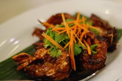 Dinner at Assam House,Ipoh (hock how & siew peng) Tags: food dinner restaurant yummy prawns delicious malaysia spicy ipoh ambience assamfish otah d80 assamhouse