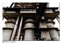 Old Factory 8 (fab's_photos) Tags: italy window nikon italia doors d2x porte finestre tubi oldfactory cementificio