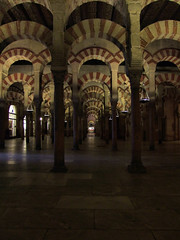 Cordoba (by_irma) Tags: travelling church wow spain europa europe pillar reis cordoba mezquita kerk mosk spanje bogen djoser moskee pilaren