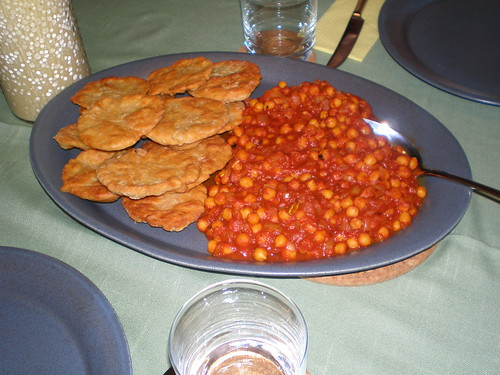 Chickpea Curry With Bhutura