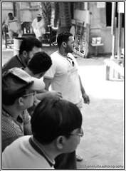 @ng paghihintaY (FR-1) Tags: people bw frank bahrain nikon cock rooster manok sabong cockfighting d60 tupada tuloza