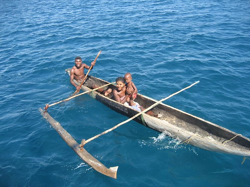canoe with ama Nosy Lava