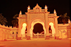 palace.. (srini_g2003) Tags: lighting building architecture night canon golden glow palace mysore xsi 450d 1855is
