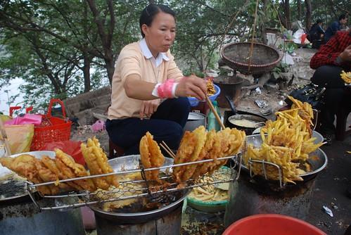 Roadside fritter vendor