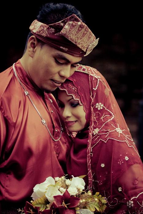 Fadil & Noridayu outdoor wedding portraiture, Kuala Lumpur, Malaysia on the 6th of December, 2008.