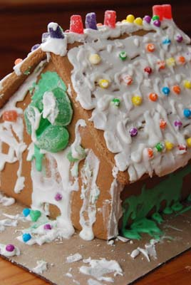 gingerbread house logan