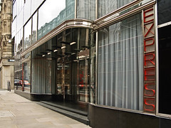 Daily Express, London (Metropol 21) Tags: london architecture 1932 1930s landmark artdeco streamlined eyebrows mainentrance streamlinemoderne owenwilliams blackvitrolito