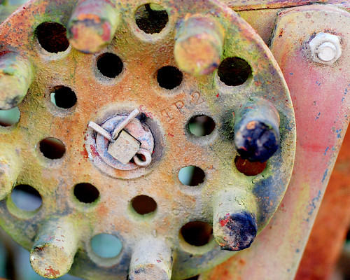 v rusty tractor 063