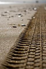 Huella de arena (Ester Rodríguez) Tags: travel beach landscape playa canonef50mmf18 arena punta huella umbría eos400d
