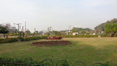 The Hanging Gardens (Rckr88) Tags: india bombay mumbai hanginggardensmumbai hanginggardens gardens garden green greenery flower flowers flora asia