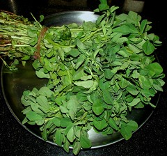 venthaya keerai (मेथी, Fenugreek leaves)