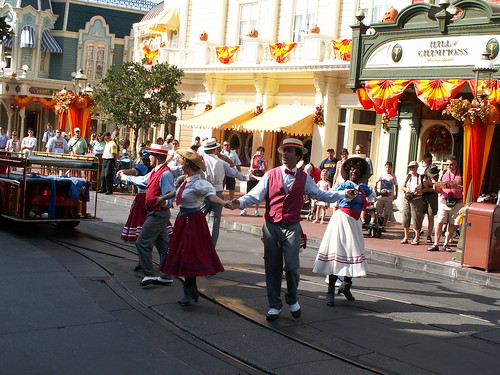Main Street - Trolley Show