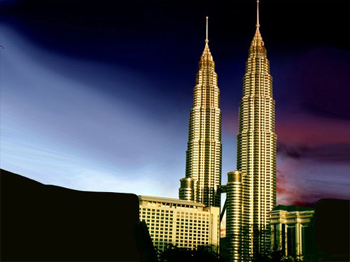 "Cesar pelli's Petronas Towers, Las torres de Petrona • <a style=""font-size:0.8em;"" href=""http://www.flickr.com/photos/30735181@N00/2295415503/"" target=""_blank"">View on Flickr</a>"