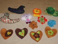 Trabalhinhos Variados (Atelier Rosas de Pano by Anne Joakinson) Tags: flores handmade felt bijoux coraes feltro bichos feutrine feitoamo