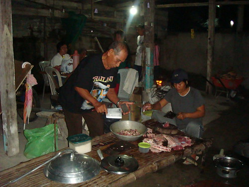 Philippines,Pinoy,Filipino,Pilipino,Buhay,Life,people,pictures,photos,rural,preparing,cooking,meat,celebration,bukid