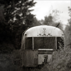 airstream rediscovered (Ando : @_AndoPerez) Tags: blue found lost retro american trailer left airstream alchemy derilect isawyoufirst justaddblue imagealchemy theimagealchemist