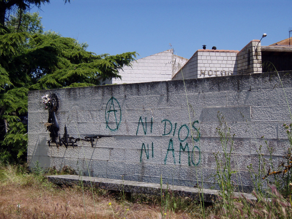 Virgen daquella manera tags graffiti picnic monumento iglesia virgin protesta vandalism anarchy reconciliation