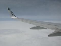 Ryanair EI-DWI inflight (Howard_Pulling) Tags: inflight belfast ryanair stansted 737 737800 wingtips hpulling howardpulling