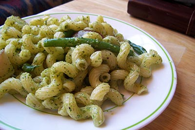 Pasta with Pesto, Potatoes and Green Beans