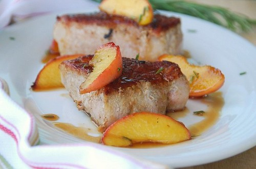 boneless pork chops with rosemary peaches