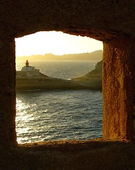 Bonifacio - A room with a view... (baohlina79) Tags: sunset sea cliff lighthouse window faro tramonto mare angle corsica finestra scorcio bonifacio scogliera arenaria scoglio platinumphoto