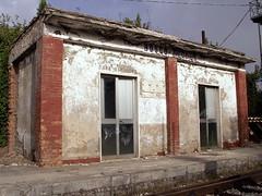 Fermata non richiesta - IX (Eus) Tags: italien italy abandoned station italia gare railway bahnhof bahn stazione italie ferrovia molise abandonn campobasso chemindefer abbandonato boscoredole